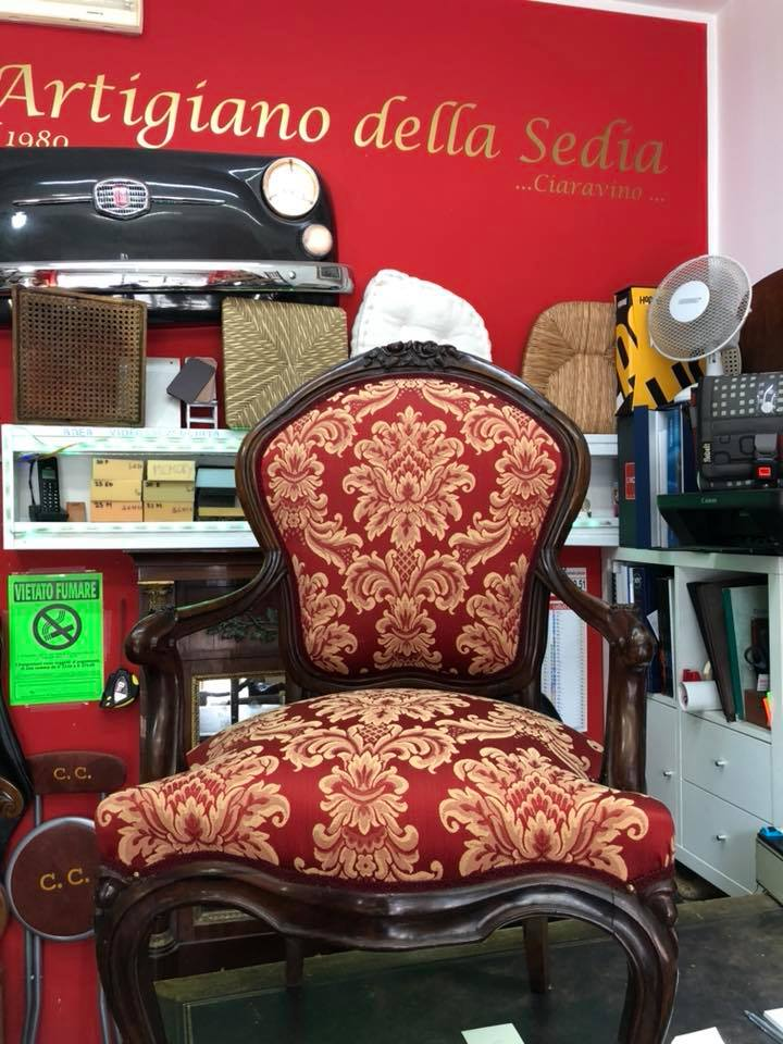 Sedia in stoffa